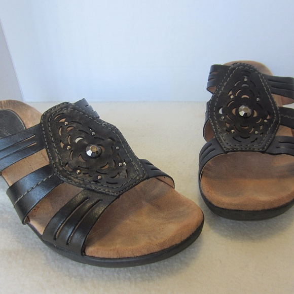 4325c4e72f Earth Origins Shoes   Sandals Black Studded Size 9   Poshmark